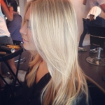 in-salon-blond-layers