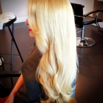 in-salon-blonde-curls
