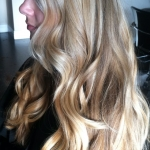 in-salon-blonde-waves